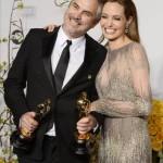 Angelina Jolie ha consegnato il premio al regista Alfonso Cuaròn